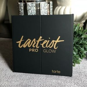 Tarteist Pro Glow highlight and contour palette